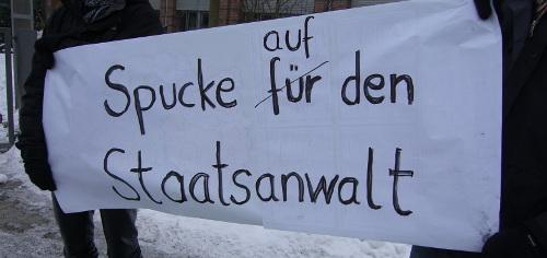 Plakat auf der Protestkundgebung am 05.01.2011